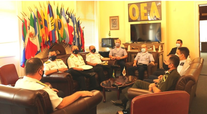 Visit to the IADB of the Commander of the Brazilian Navy